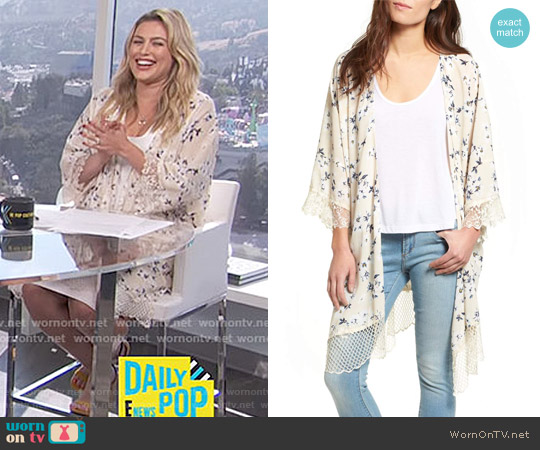 Lace Trim Kimono by Lucca Couture worn by Carissa Loethen Culiner  on E! News