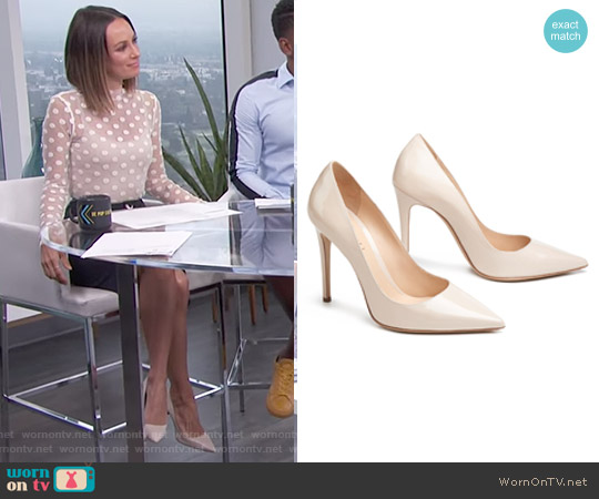 The Cammeo Pumps by M.Gemi worn by Catt Sadler on E! News