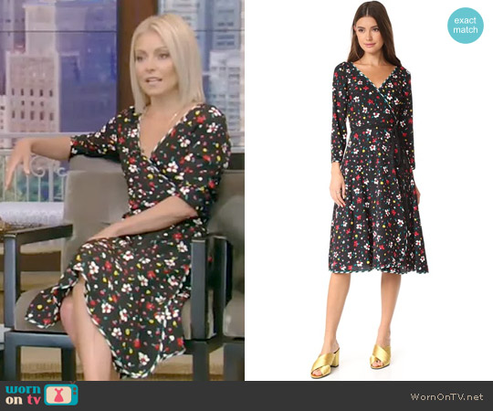 Wrap Dress with Waist Tie by Marc Jacobs worn by Kelly Ripa on Live with Kelly & Ryan
