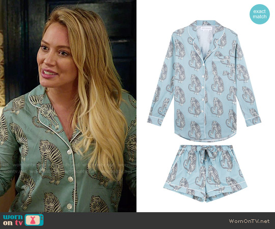 Sansindo Tiger Print Short Luxury Pyjama Set worn by Hilary Duff on Younger