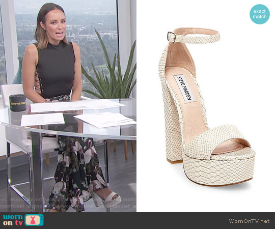 Gonzo-S Sandals by Steve Madden worn by Catt Sadler on E! News