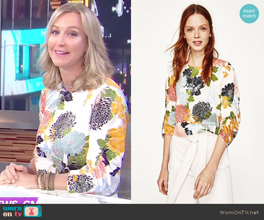 Floral Print Top by Zara worn by Lara Spencer (Lara Spencer) on Good Morning America
