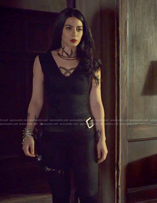 Isabelle's black v-neck jumpsuit on Shadowhunters