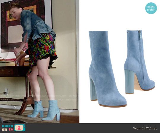 DSquared2 Blue Ankle Boots worn by Sutton Foster on Younger