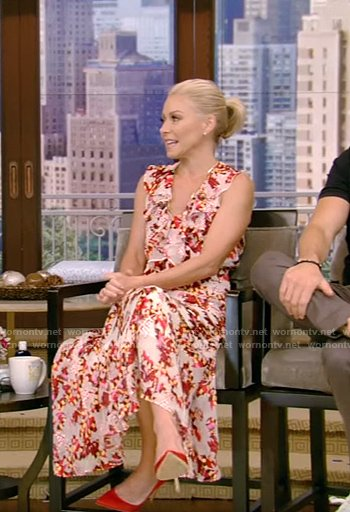 Kelly's pink floral dress on Live with Kelly and Ryan