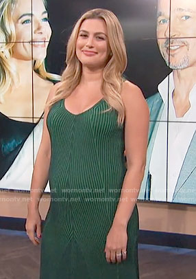 Carissa's green ribbed dress on E! News