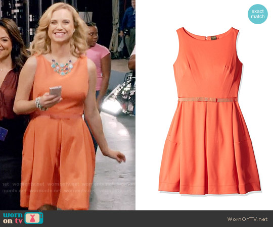 Taylor Dresses Sleeveless Scuba Fit and Flare Dress worn by Fiona Gubelmann on Daytime Divas