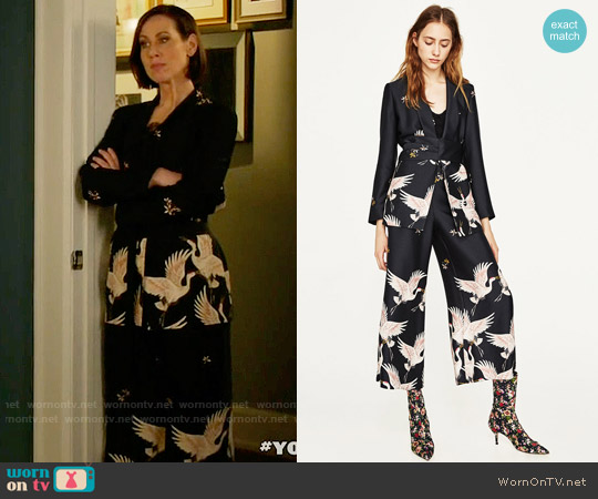 Zara Printed Jacket with Sash Belt and Culottes worn by Miriam Shor on Younger