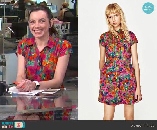 Short Floral Print Dress by Zara worn by Melanie Bromley on E! News