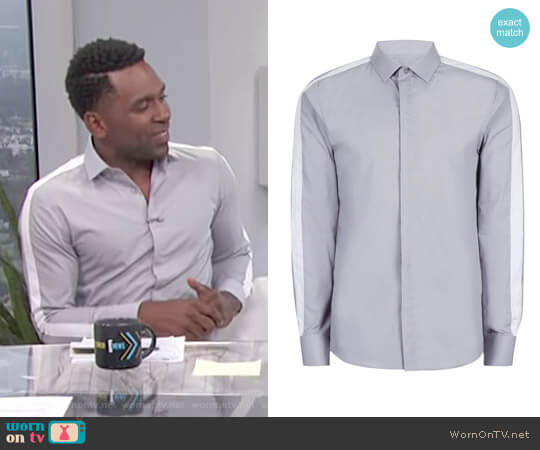 Gray Contrast Stripe Smart Shirt by Topman worn by Justin Sylvester  on E! News