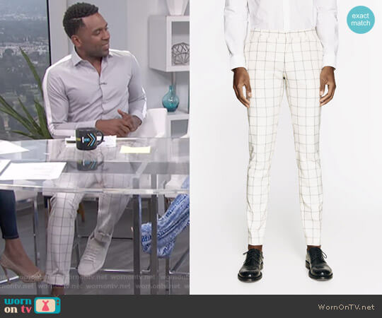 Checked Light Grey Suit Trousers worn by Justin Sylvester on E! News