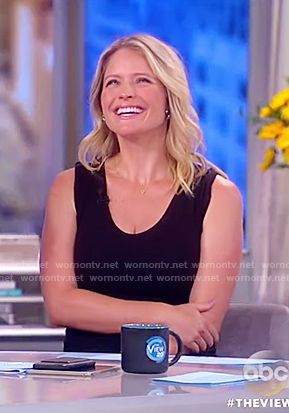 Sara's black sleeveless sheath dress on The View