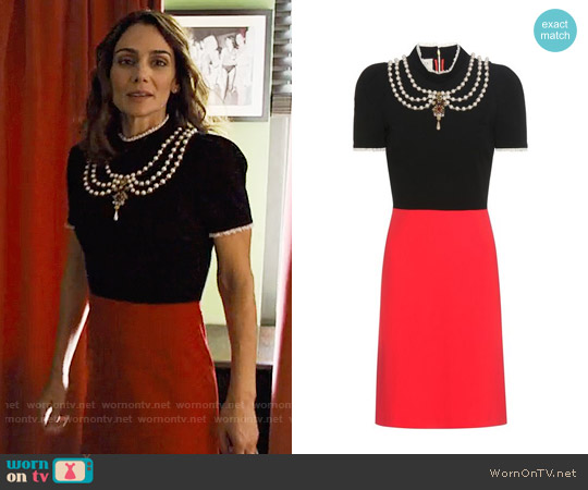 Gucci Embellished crêpe dress worn by Annie Parisse on Friends from College