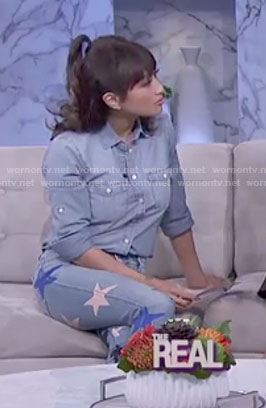 Jeannie's star print jeans on The real