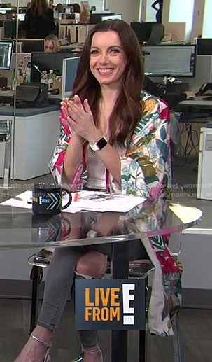 Melanie's white tropical print kimono on Live from E!