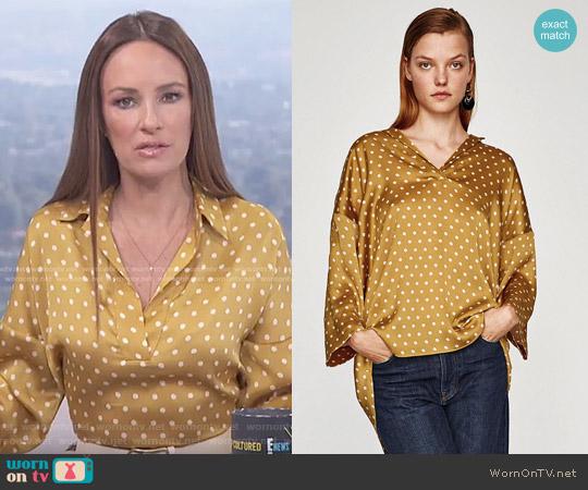 Spotted Smock Top by Zara worn by Catt Sadler on E! News