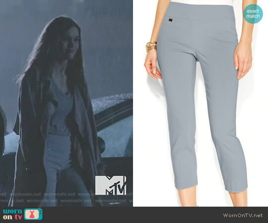 Petite Tummy-Control Pull-On Capri Pants by Alfani worn by Lydia Martin (Holland Roden) on Teen Wolf