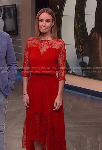 Catt's red asymmetric lace dress on E! News