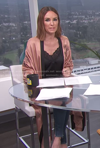 Catt's beige floral satin kimono on E! News Daily Pop
