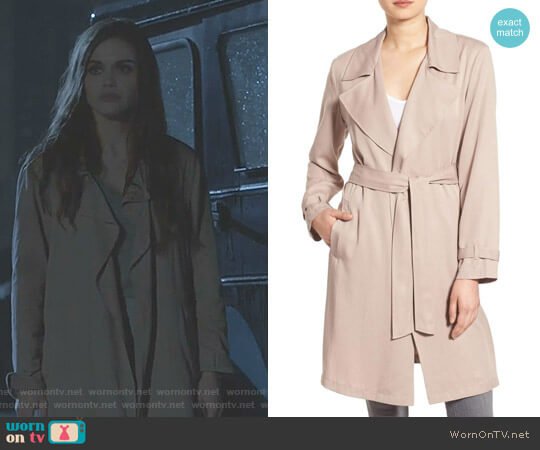'Adams' Drape Trench Coat by Cupcakes and Cashmere worn by Lydia Martin (Holland Roden) on Teen Wolf