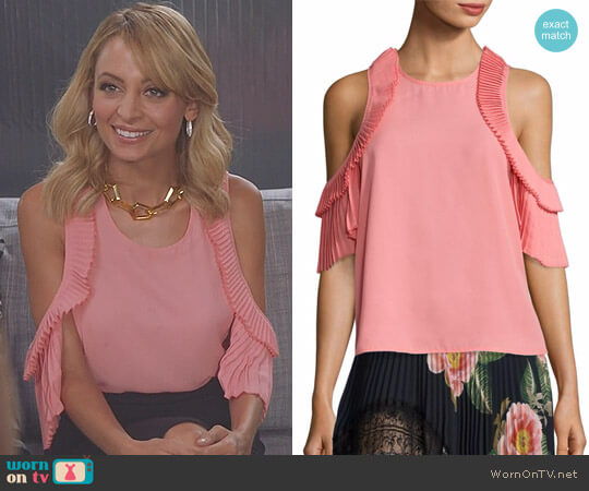 'Everly' Pleated Cold-Shoulder Top by Delfi Collective worn by Portia Scott-Griffith (Nicole Richie) on Great News