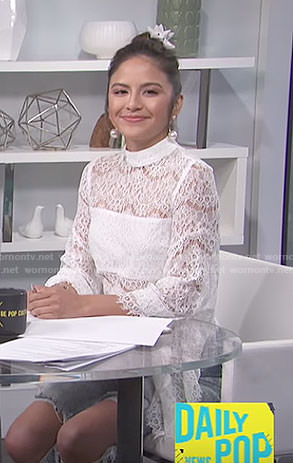 Erin's white lace top on E! News Daily Pop