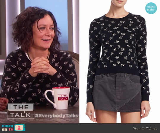 Floral-Print Cashmere Pullover by Marc Jacobs worn by Sara Gilbert on The Talk