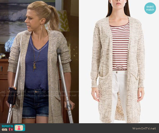 Max Studio London Duster Cardigan  worn by Stephanie Tanner (Jodie Sweetin) on Fuller House