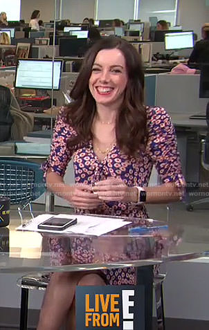 Melanie's blue daisy dress on Live from E!