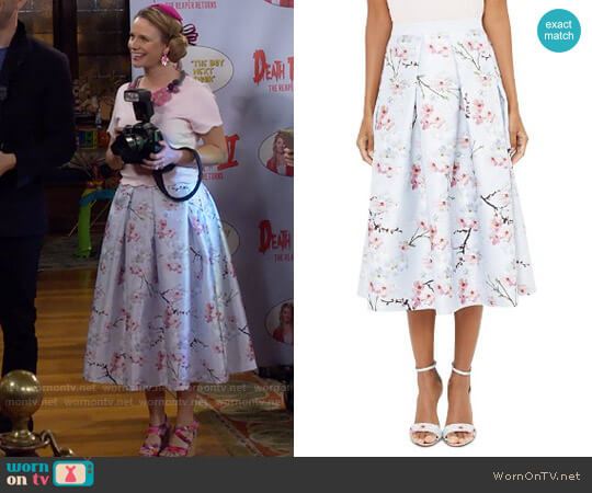 Ted Baker Floral-Printed Midi Skirt worn by Kimmy Gibbler (Andrea Barber) on Fuller House