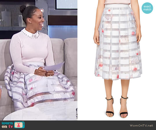 Rosaley Chelsea Print Pleated Skirt by Ted Baker worn by Tamera Mowry  on The Real