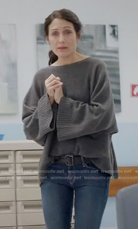 Abby's grey oversized sweater on Girlfriends Guide to Divorce