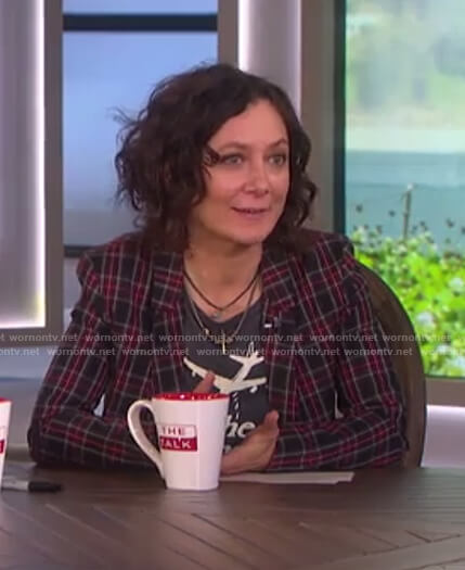 Sara's check blazer and print t-shirt on The Talk
