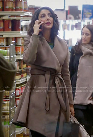 Delia's beige coat with black trim on Girlfriends Guide to Divorce