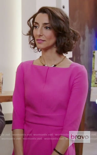 Delia's pink split-neck dress on Girlfriends Guide to Divorce
