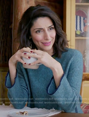 Delia's teal sweater on Girlfriends Guide to Divorce