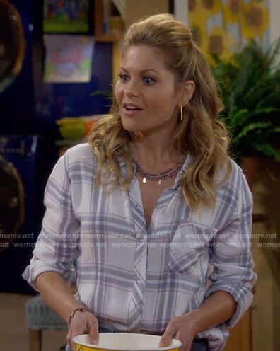 DJ's white plaid shirt on Fuller House