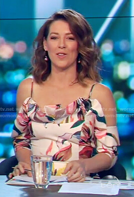 Gorgi's floral print drop sleeve dress on The Project