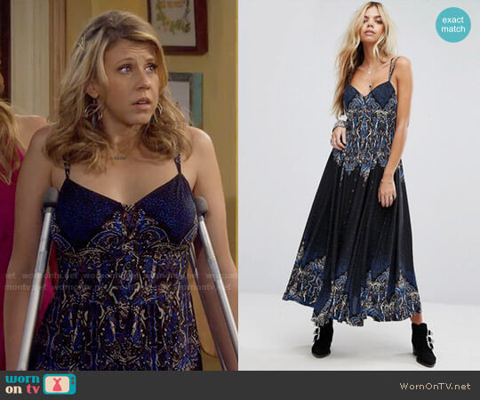 Free People Be My Baby Maxi Dress worn by Jodie Sweetin on Fuller House