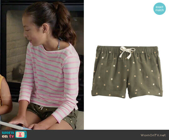 J. Crew Girls' Linen Cotton Shorts in Star Print worn by Aubrey Anderson-Emmons on Modern Family