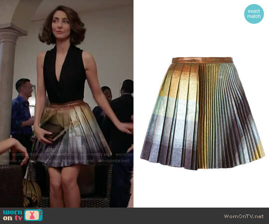 Marco de Vincenzo Pleated Glitter Skirt worn by Delia (Necar Zadegan) on GG2D