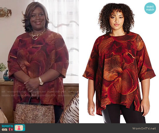 Melissa McCarthy Seven7 Hilo Skimmer Top in Pomegranate worn by Retta on GG2D