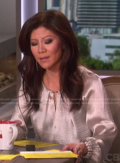 Julie's metallic keyhole top on The Talk