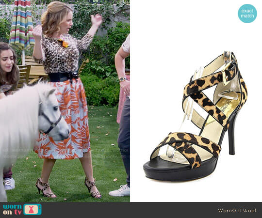 MICHAEL Michael Kors Evie Leopard Sandals worn by Kimmy Gibbler (Andrea Barber) on Fuller House