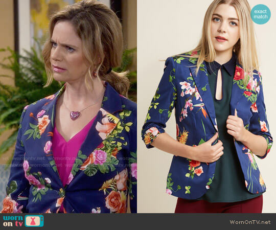ModCloth Fab Floral Designer Blazer worn by Kimmy Gibbler (Andrea Barber) on Fuller House