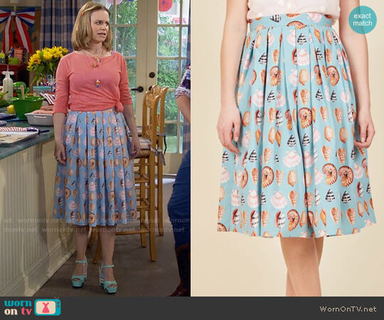 ModCloth Collect Your Thoughts Midi Skirt worn by Kimmy Gibbler (Andrea Barber) on Fuller House