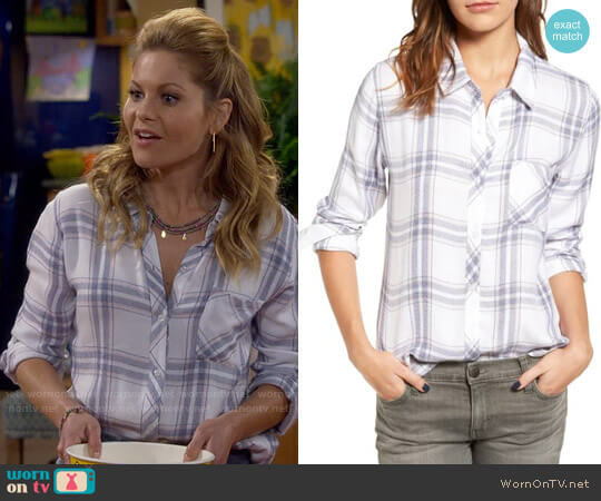 Rails Hunter Shirt in White Blush Patriot worn by Candace Cameron Bure on Fuller House