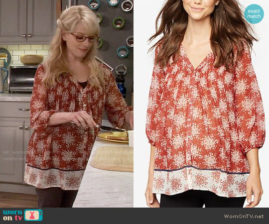 A Pea In The Pod Maternity Printed Boho Top worn by Melissa Rauch on The Big Bang Theory