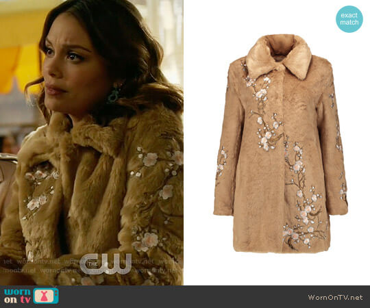 Ainea Appliquéd faux fur coat worn by Nathalie Kelley on Dynasty