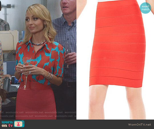 Alexa Sweater Skirt by BCBGMAXAZRIA worn by Nicole Richie on Great News